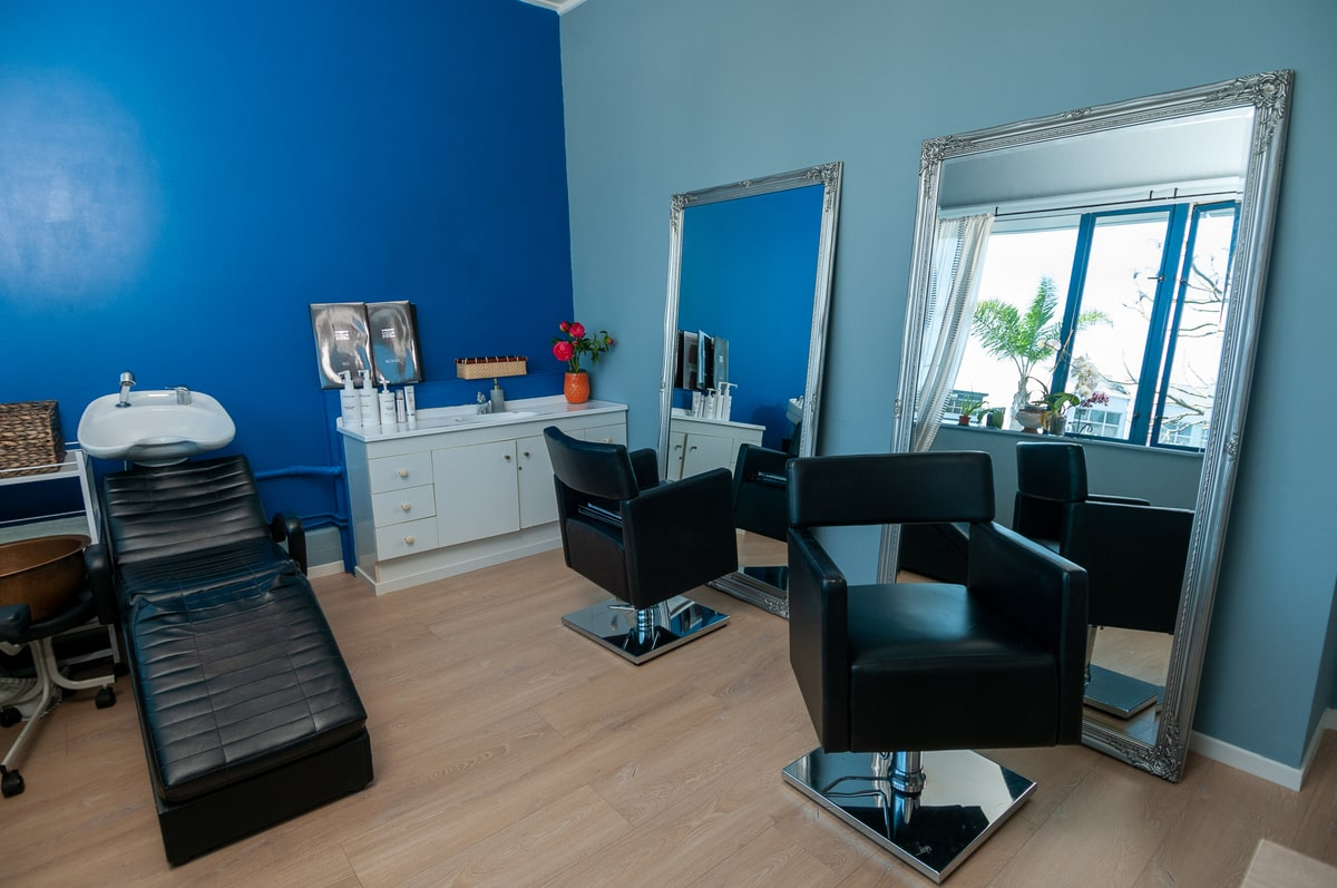 Hairdressing_room_Escape_Spa_Beauty_Clinic-min